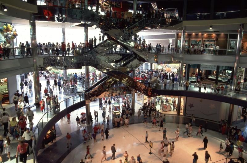 10대들 쇼핑에 연평균 2600달러 지출.jpg