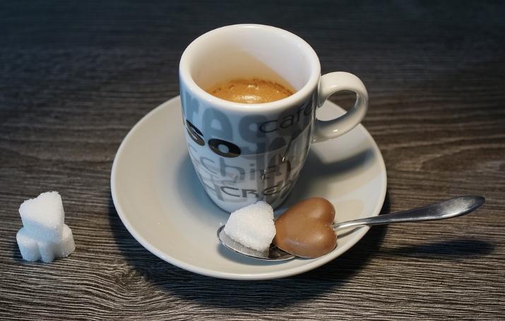 커피에 넣으면 안 좋은 3가지 식품.jpg