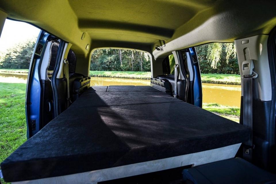 '마이크로 캠퍼밴', 소형 밴 캠핑카 개조 키트 선보여.jpg