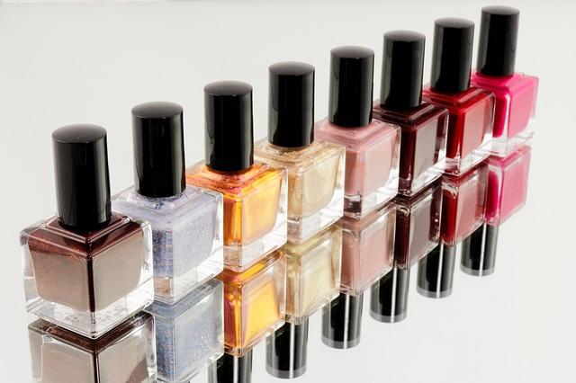 manicure-870857_640.jpg