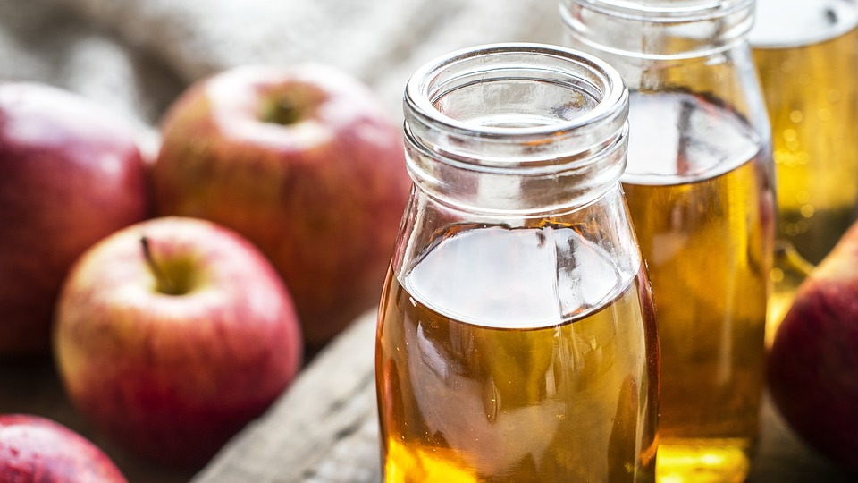 사과 식초 속 6가지 효능…인후염 완화한다.jpg