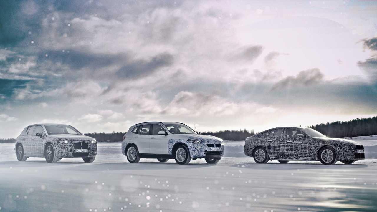 BMW 전기차 i4 티저 이미지 공개.jpg